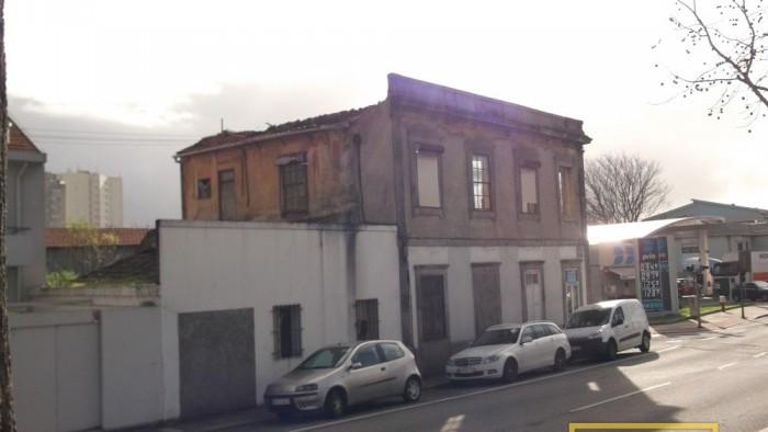 Edifício de Comércio e Habitação - Porto